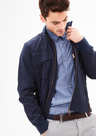Leichte Jacke mit Zipp-Details