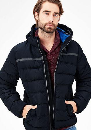 Zimní bunda sfunkčními detaily