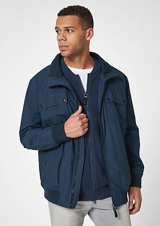 Lahka jakna z rebrastimi detajli