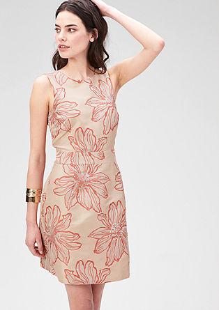 Tajlrirana obleka iz žakarda