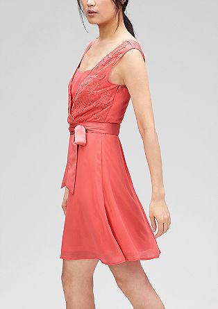 Kleid mit Spitze im Layer-Look