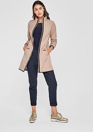 Krátký kabát s kontrastní paspulkou