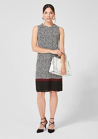 Vzorované krepové šaty