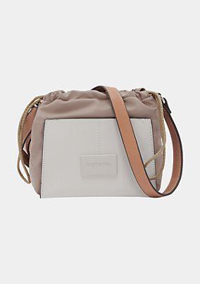 Shoppingbag im aufregenden Materialmix
