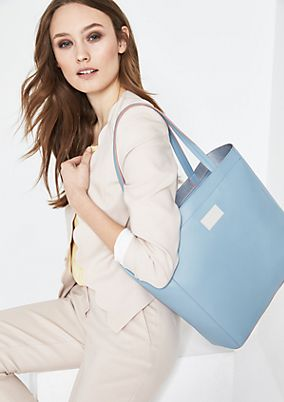Voluminöse Shoppingbag mit Henkeln