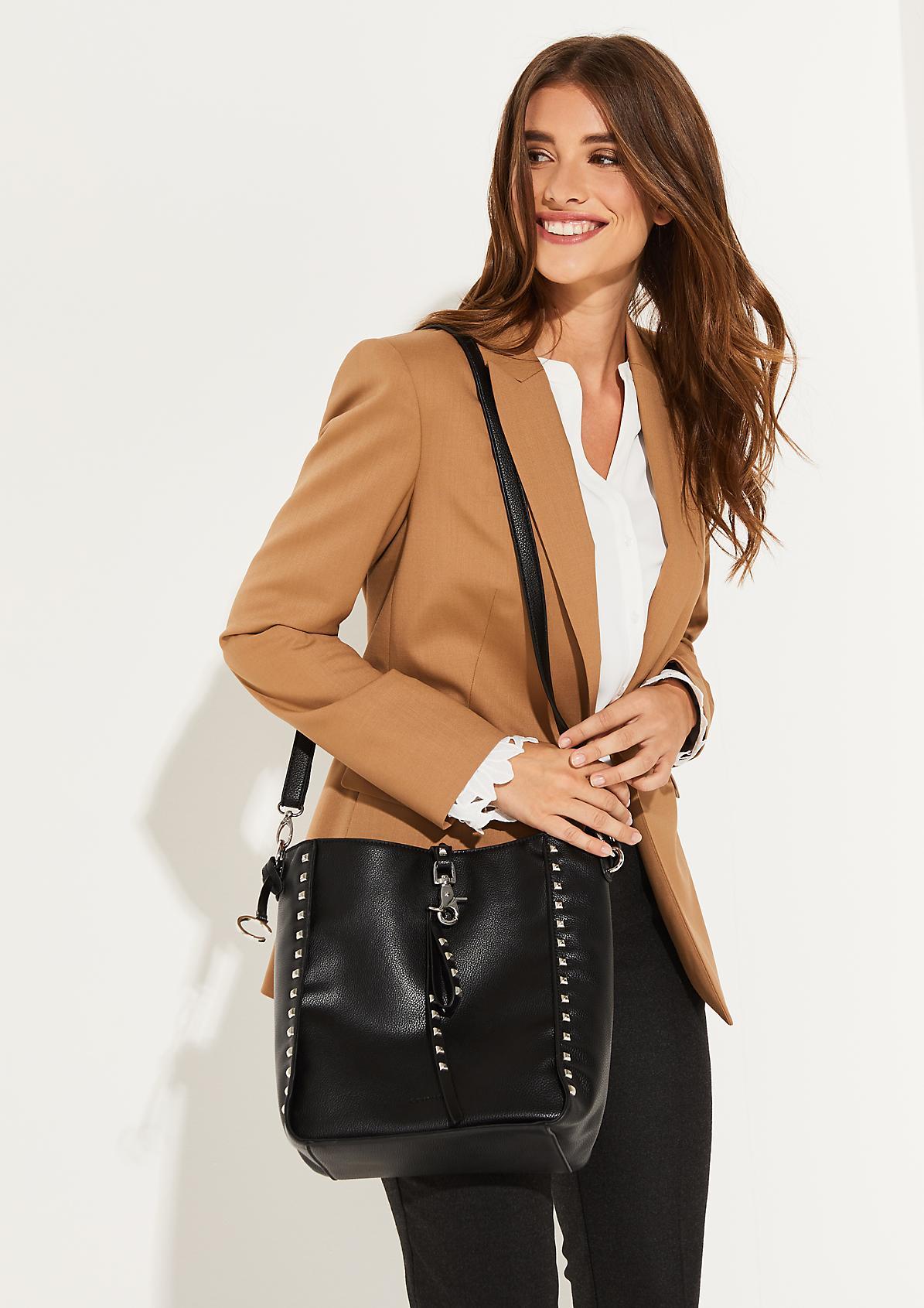 Shoppingbag mit Nietenverzierung