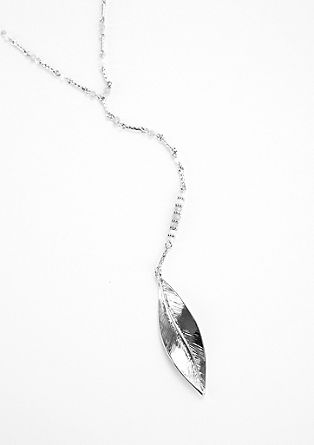 Necklace with glass stones and a feather from s.Oliver