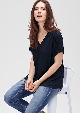 Viscose T-shirt with a Y-neckline from s.Oliver