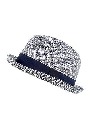 Lightweight hat in a bicolour look from s.Oliver