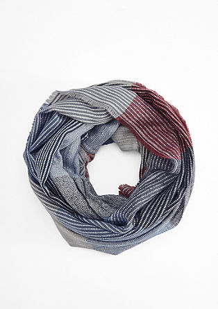 Soft snood with a woven pattern from s.Oliver
