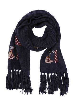 Knitted scarf with appliqués from s.Oliver