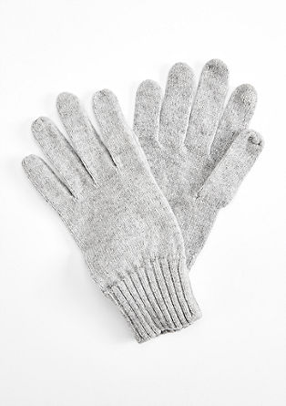 Touchscreen-compatible gloves from s.Oliver