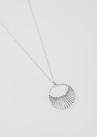 Delicate geometric necklace from s.Oliver