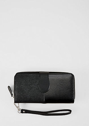 XL wallet with handle from s.Oliver