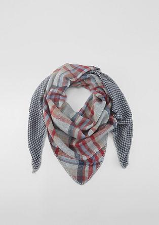 Károvaný trojcípý šátek