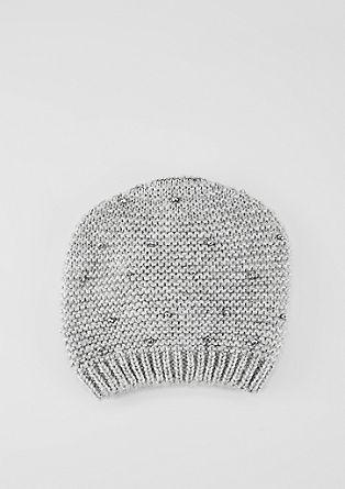 Čepice s ozdobnými kamínky