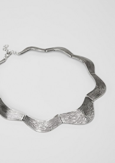Statement necklace in a wavy design from s.Oliver