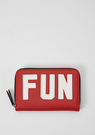 Zip Wallet mit Statement-Wording