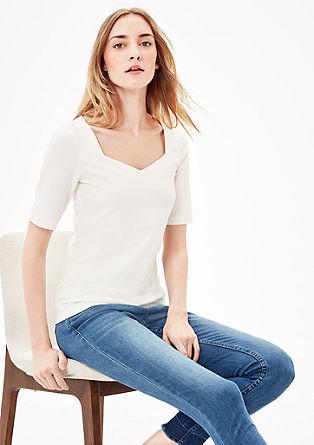 T-Shirt mit Herzausschnitt