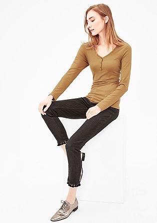 Úzké tričko s dlouhým rukávem a knoflíkovou lištou