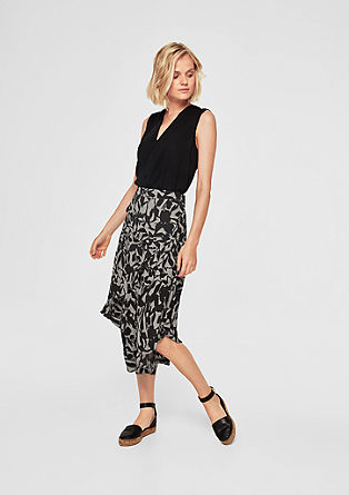 Crêpe skirt with diagonal ruffles from s.Oliver
