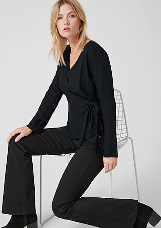 Ovita bluza z vezenino