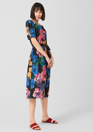 Krepové šaty skvětinovým potiskem