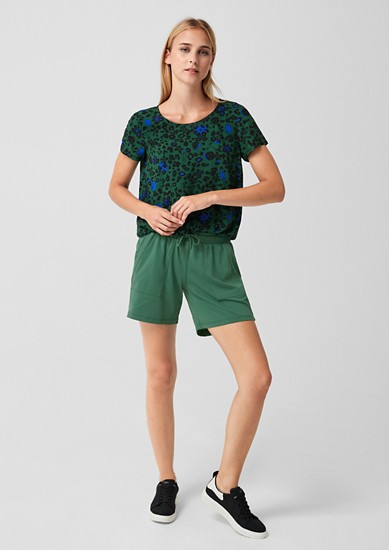 Jersey shorts with large pockets from s.Oliver