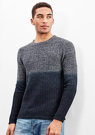 Pleten pulover s prehajanjem barv