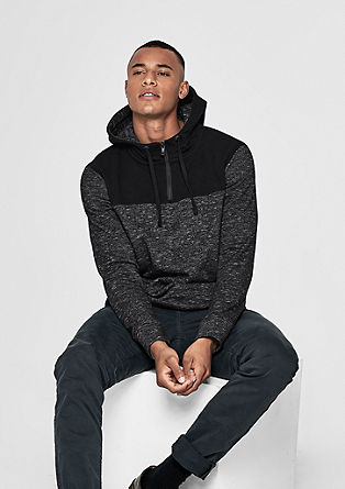Športen meliran pulover s kapuco