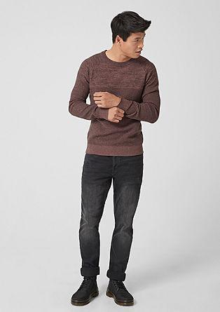 Pletený pulovr se strukturou