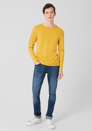 lehký pulovr z jemné pleteniny