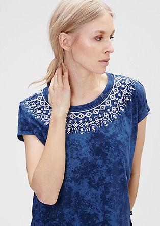 T-Shirt mit Ethno-Stitchings