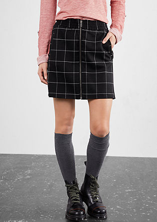 Short skirt with a lattice effect from s.Oliver
