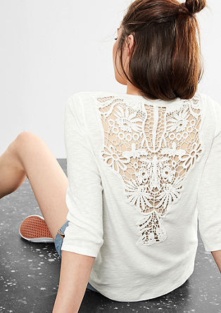 Top with macramé lace from s.Oliver