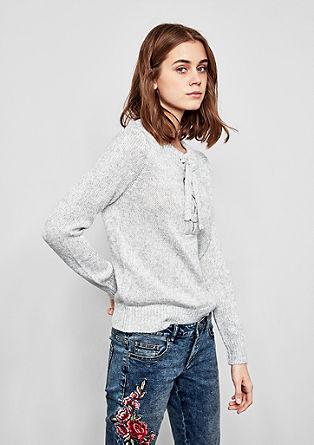 Grofgebreide trui met veterdetail