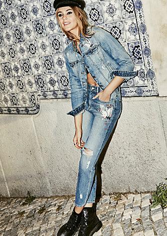Mom Fit: Bestickte Vintage-Jeans