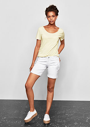 Abby Straight: Twill shorts from s.Oliver