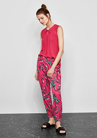 Lightweight trousers with a printed tropical pattern from s.Oliver