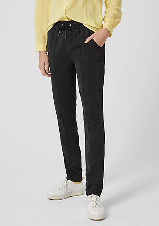 lesklé kalhoty ve stylu joggingových kalhot