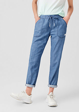 Gwen Boyfriend: Denim joggers from s.Oliver