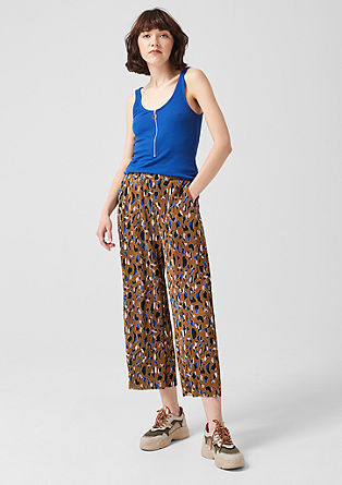 Pleated culottes with a printed pattern from s.Oliver