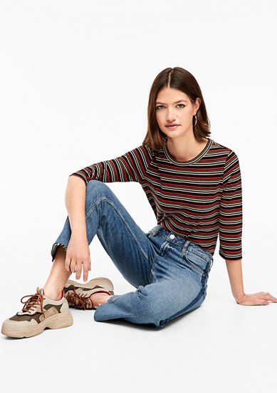 Catie Straight: cropped jeans from s.Oliver