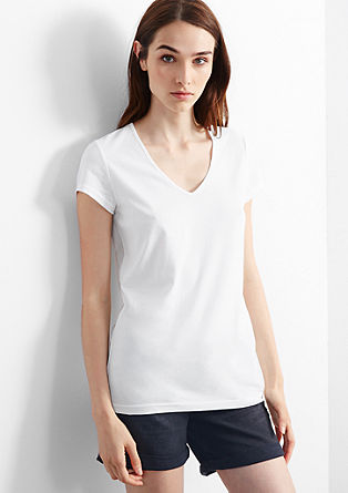 Double pack of basic T-shirts with a V-neckline from s.Oliver