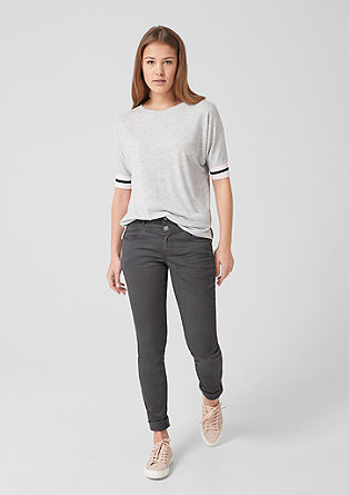 Catie Slim: garment-dyed trousers from s.Oliver