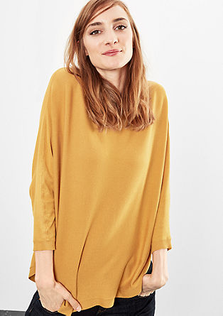 Softer Pulli mit Bat-Sleeves