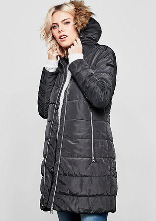 Mantel mit glänzenden Zippern
