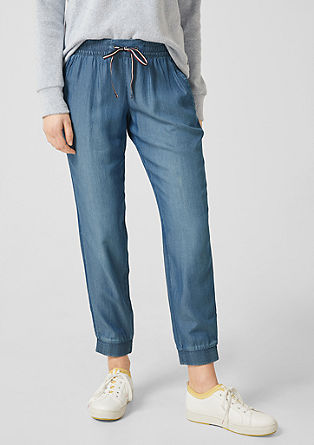 Gwen Tapered: light denim trousers from s.Oliver