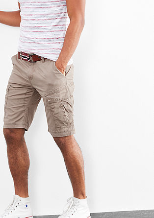John Loose: Bermudas with a belt from s.Oliver