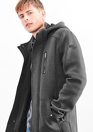 Sportliche Jacke mit Kapuze